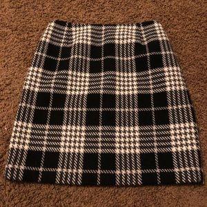 Eddie Bauer Black Gray Wool Plaid Skirt 6